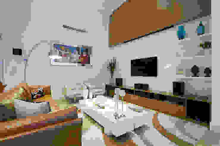 Casa AM – Joinville/SC – Estúdio Kza Arquitetura e Interiores Salas multimídia modernas por Estúdio Kza Arquitetura e Interiores Moderno