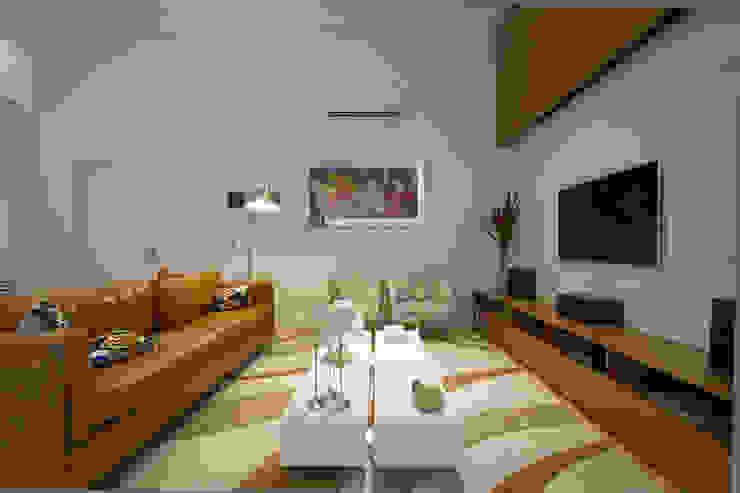 Casa AM – Joinville/SC – Estúdio Kza Arquitetura e Interiores Salas de estar modernas por Estúdio Kza Arquitetura e Interiores Moderno