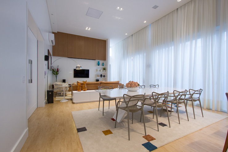 Casa AM – Joinville/SC – Estúdio Kza Arquitetura e Interiores Salas de jantar modernas por Estúdio Kza Arquitetura e Interiores Moderno