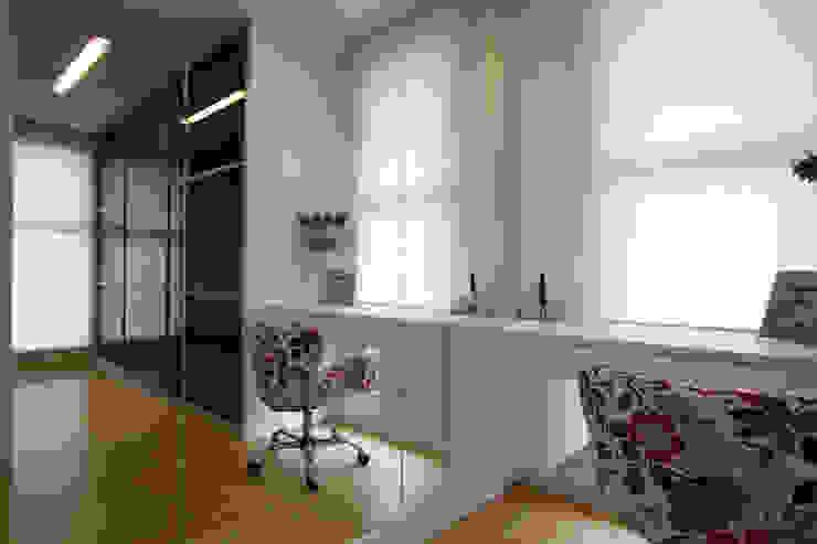 Casa AM – Joinville/SC – Estúdio Kza Arquitetura e Interiores Closets por Estúdio Kza Arquitetura e Interiores Moderno