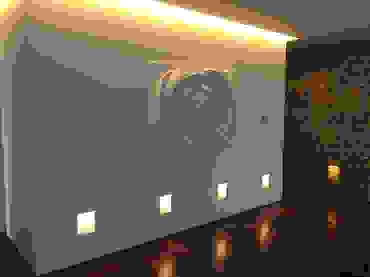 Painel Flor Salas de estar modernas por Iva Viana Atelier de Escultura Moderno