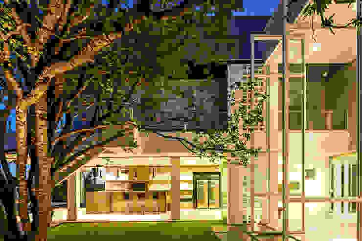 Jardins modernos por Raffo Arquitetura Moderno