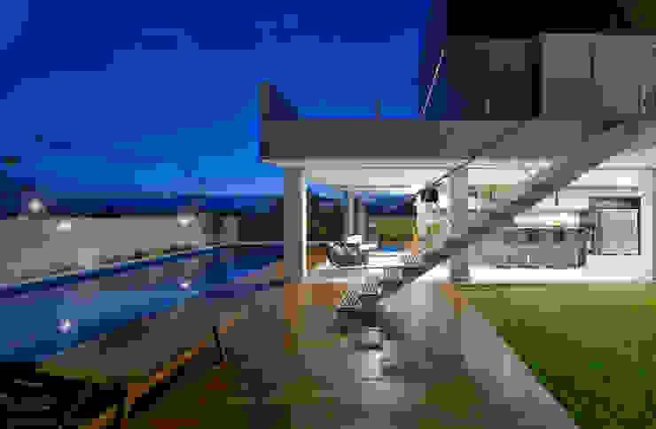 Casa Jabuticaba Varandas, alpendres e terraços modernos por Raffo Arquitetura Moderno