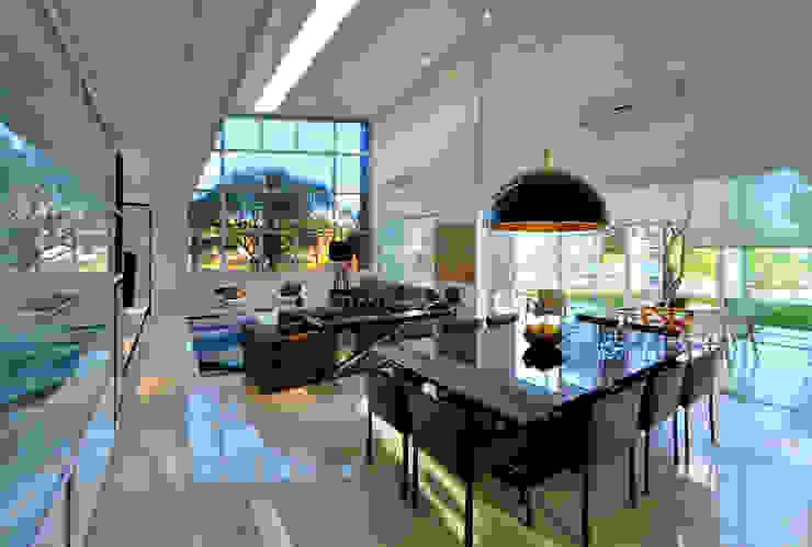 Casa Jabuticaba Salas de jantar modernas por Raffo Arquitetura Moderno