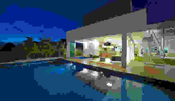 Casa Jabuticaba Piscinas modernas por Raffo Arquitetura Moderno