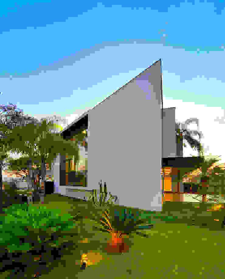 Casas modernas: Ideas, imágenes y decoración de Raffo Arquitetura Moderno