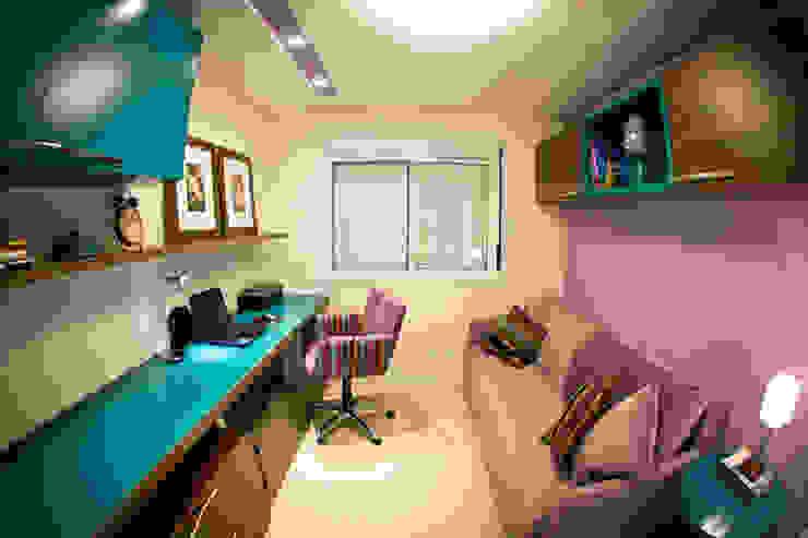 Ruang Studi/Kantor Modern Oleh INOVA Arquitetura Modern