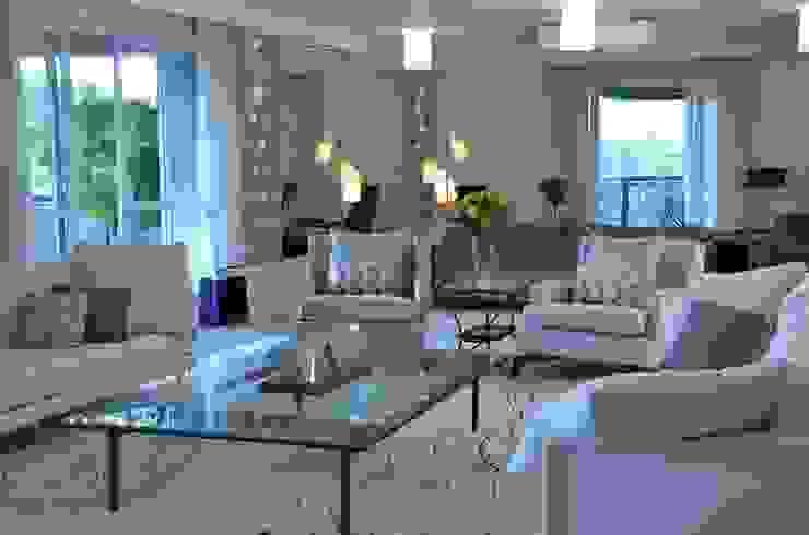 APARTAMENTO NA CIDADE Salas de estar modernas por Kika Prata Arquitetura e Interiores. Moderno