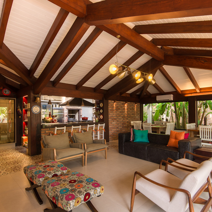Eclectic style balcony, porch & terrace by Camila Tannous Arquitetura & Interiores Eclectic