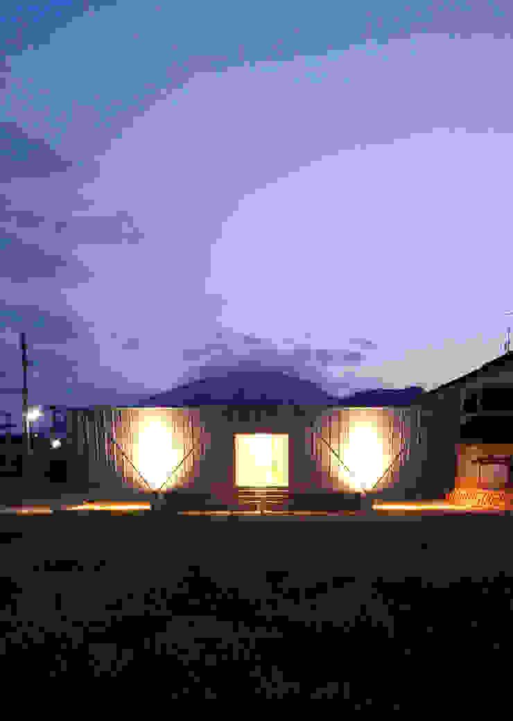 ボートハウスの夜景2 モダンな 家 の 土居建築工房 モダン