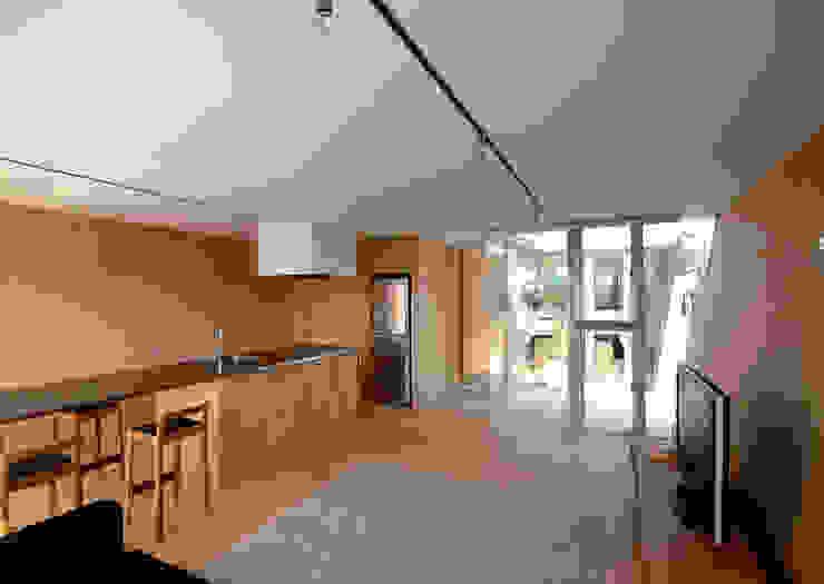 ボートハウスのリビング モダンデザインの リビング の 土居建築工房 モダン