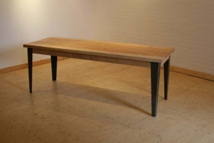 Olive Ash Canteen table: industrial  by wemaketables, Industrial