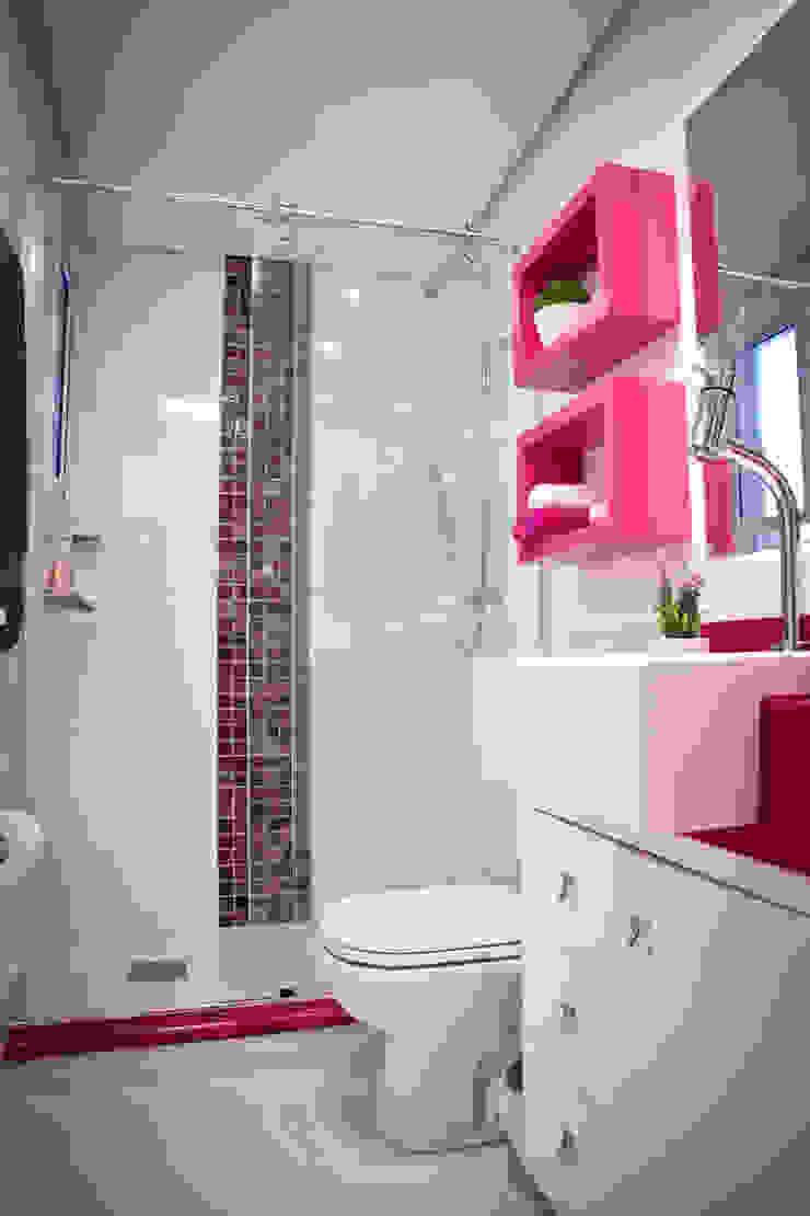 Banheiro Social Colorido Banheiros modernos por INOVA Arquitetura Moderno