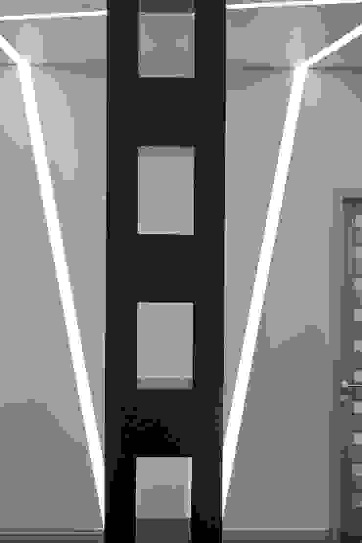 Офис где теряются границы восприятия. от APRIL DESIGN Минимализм