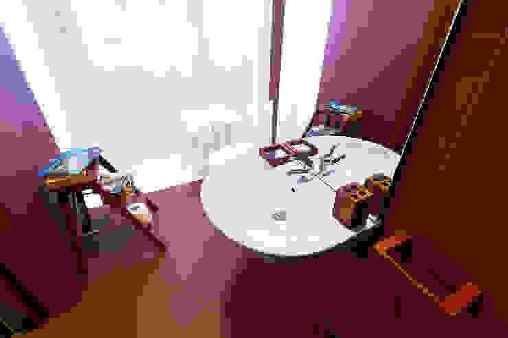 Pokój w Boutique Hoste Patria - Katografika Minimalistyczna łazienka od musk collective design Minimalistyczny