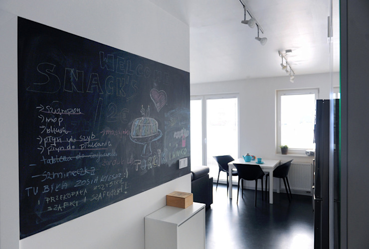 Mieszkanie Bażantowo Minimalistyczny korytarz, przedpokój i schody od musk collective design Minimalistyczny