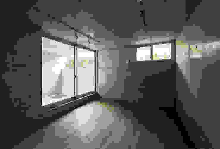 マドの家 モダンデザインの 多目的室 の 充総合計画 一級建築士事務所 モダン