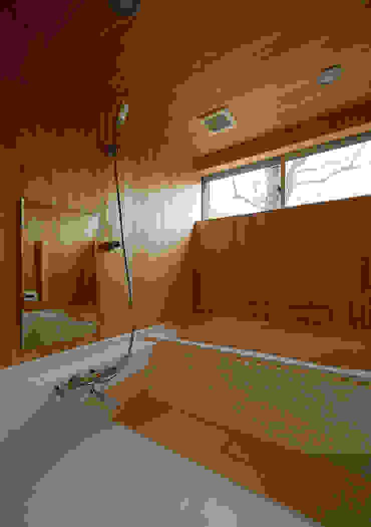 マドの家 モダンスタイルの お風呂 の 充総合計画 一級建築士事務所 モダン