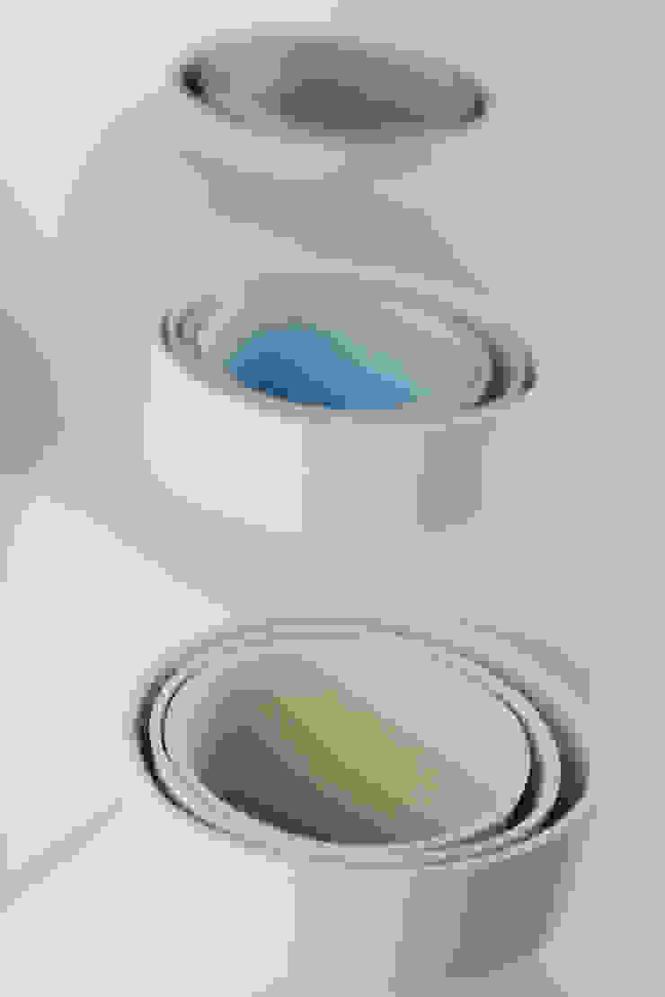 CURIOUS VASE  van boven af met kleur verlopen: modern  door studio Mianne de Vries, Modern