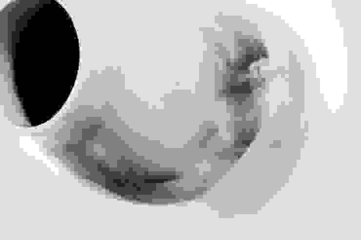 capture vase bovenaf: modern  door studio Mianne de Vries, Modern