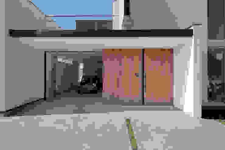 趣味の時間を存分に愉しむ家 モダンな 家 の 河崎建築計画事務所 モダン