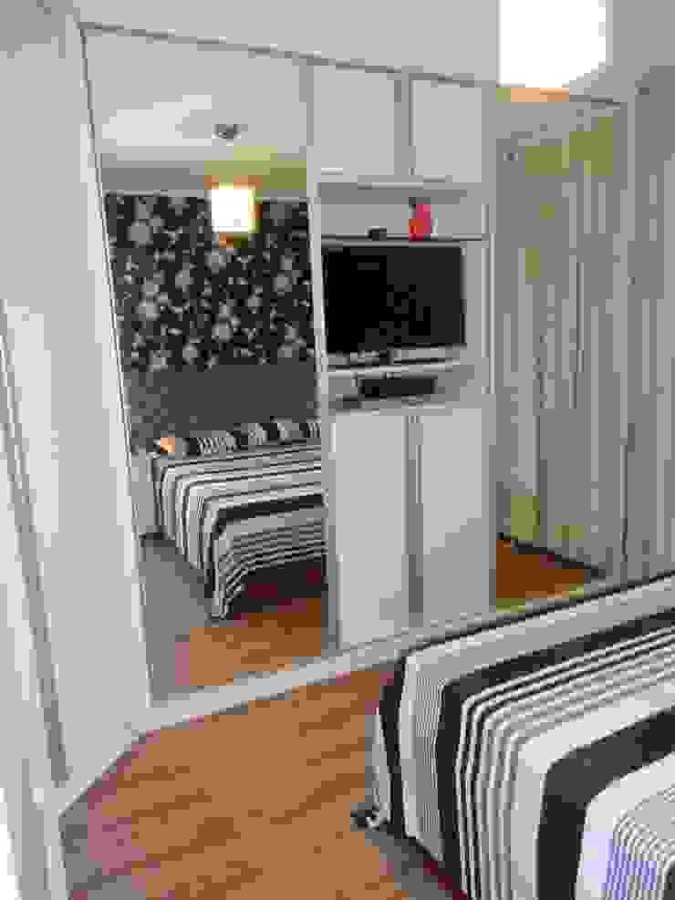 Dormitório em branco e preto Quartos modernos por Elaine Medeiros Borges design de interiores Moderno