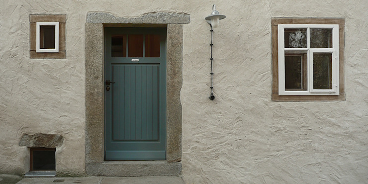 Finestre & Porte in stile rurale di Junghanns + Müller Architekten Rurale