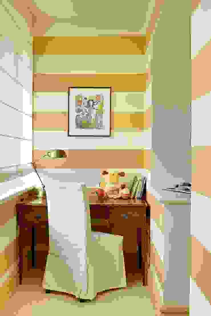 Детская комната Детская комнатa в классическом стиле от Chdecoration Классический