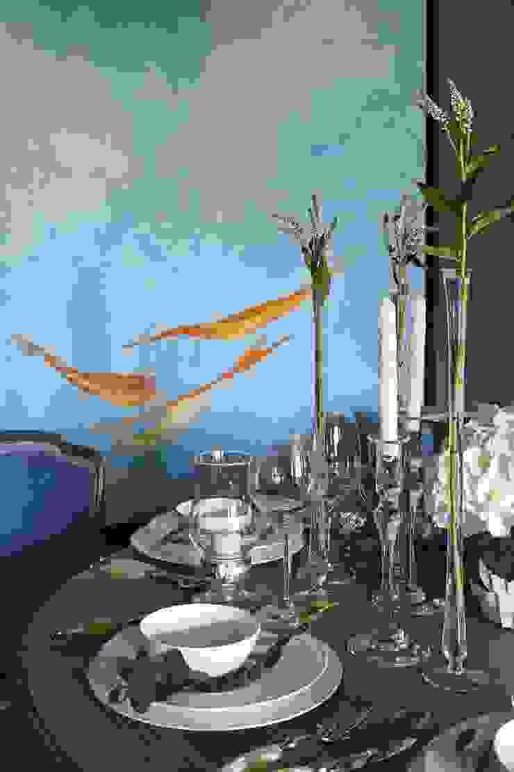 Столовая (фрагмент) Столовая комната в классическом стиле от Chdecoration Классический