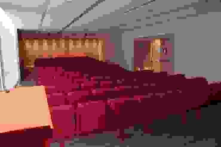 Auditorio Aleix Carrió. Escuela Superior de Diseño Elisava. Escuelas de estilo mediterráneo de Morgui Súnico Mediterráneo
