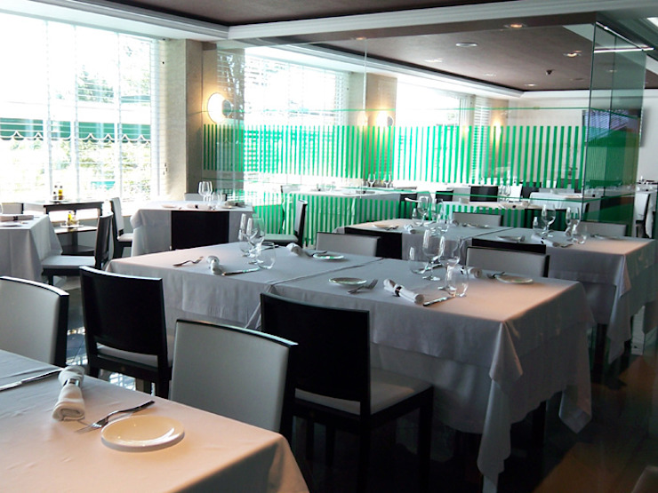 Restaurante Mar divino Sanxenxo Hoteles de estilo moderno de Oito Interiores Moderno