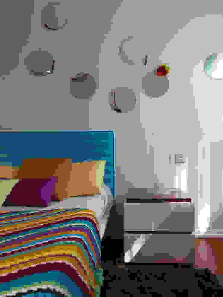 Vivienda unifamiliar, Ourense, Galicia. de Oito Interiores Moderno