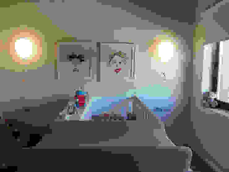 Vivienda unifamiliar, Ourense, Galicia. Dormitorios infantiles de estilo moderno de Oito Interiores Moderno