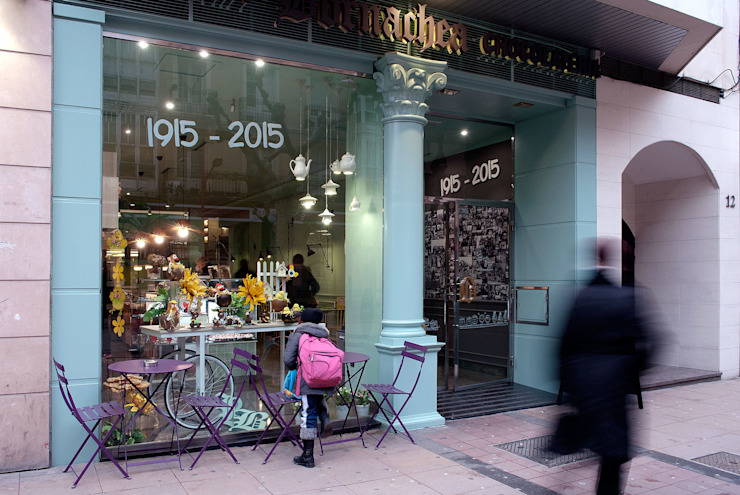 escaparate Bares y clubs de estilo moderno de interior03 Moderno