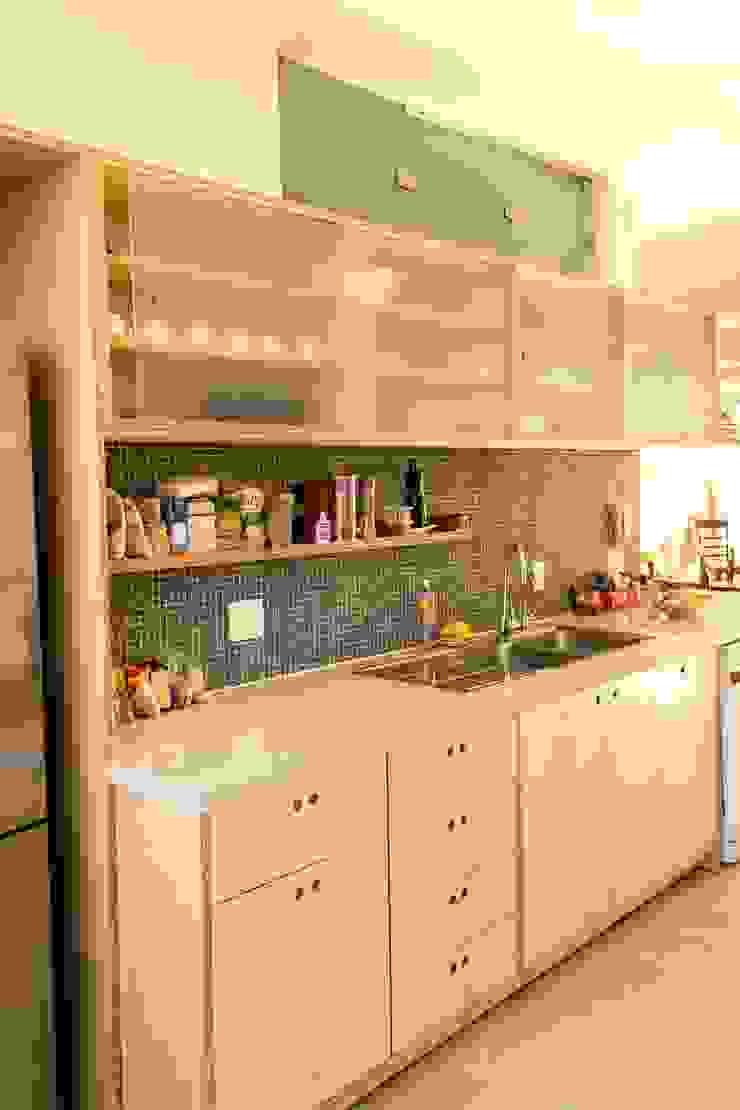 Ruta arquitetura e urbanismo КухняШафи і полиці
