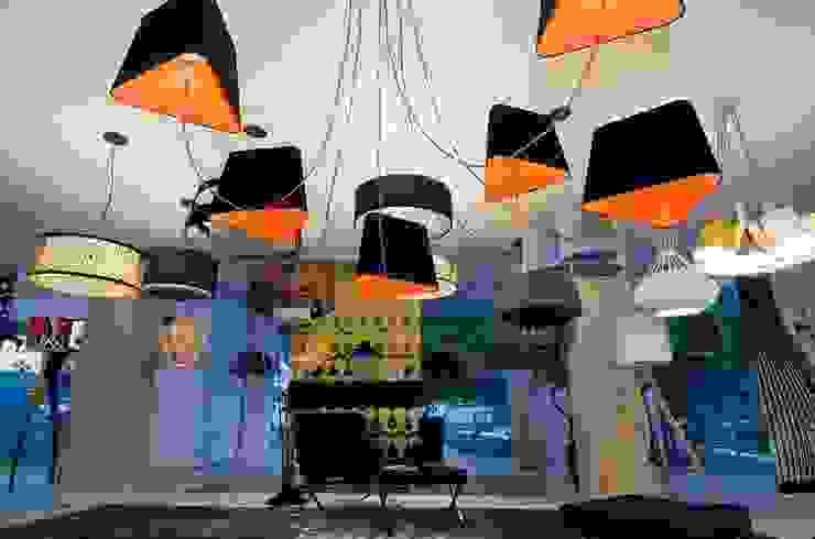 Showroom em Balneário Camboriú por K I A R E Z A Moderno
