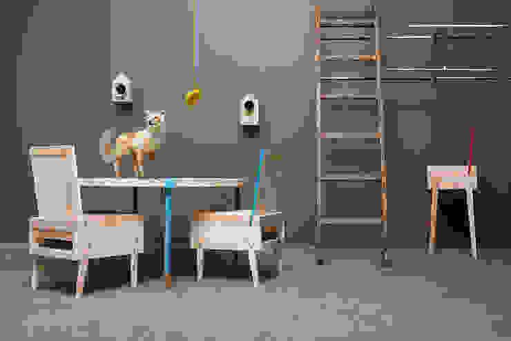 Runder Esstisch & Lounge-Sessel & Barhocker aus Recycling-Holz von Baltic Design Shop Ausgefallen