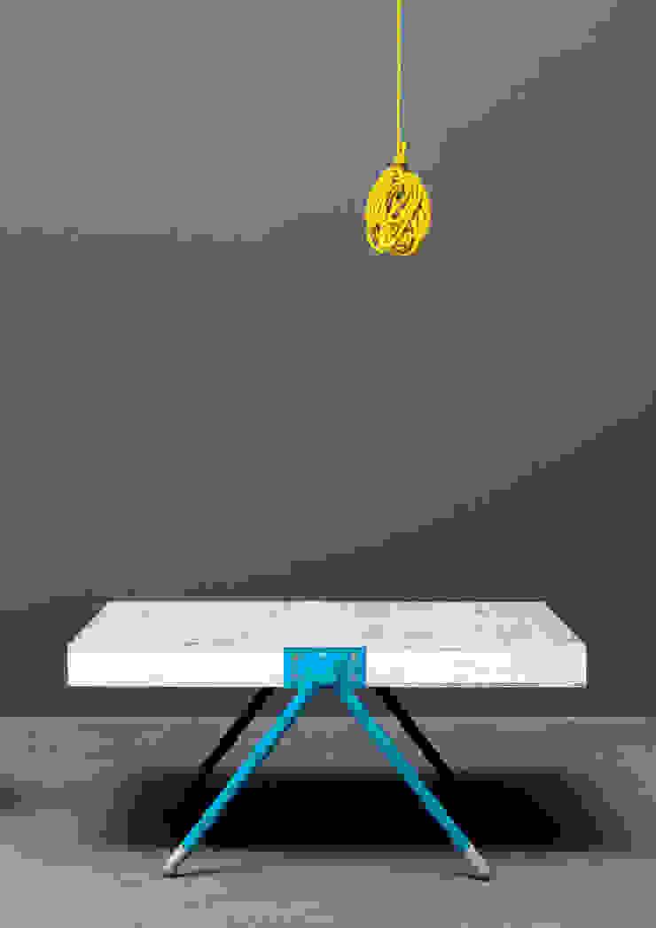 """Modernes Upcycling-Couchtisch """"Rabbit pit"""": modern  von Baltic Design Shop,Modern"""