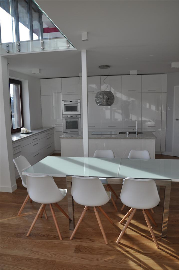 salon z kuchnią Minimalistyczna kuchnia od Tarna Design Studio Minimalistyczny