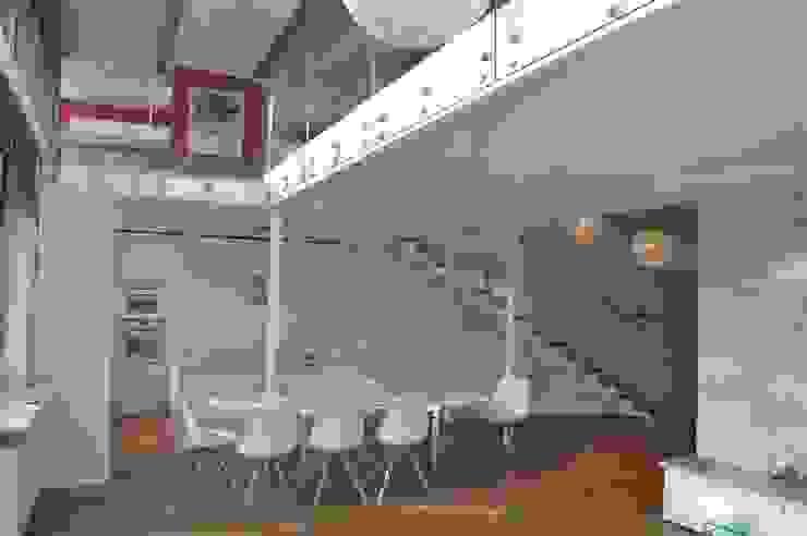 Кухня в стиле минимализм от Tarna Design Studio Минимализм