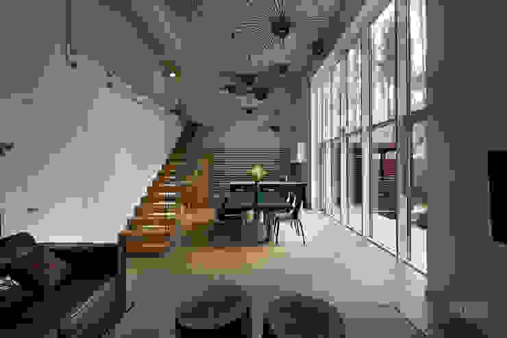 Гостиная в . Автор – Yakusha Design,