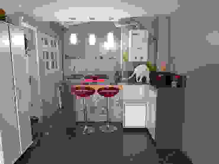 Reforma garagem zona Norte Garagens e edículas modernas por Elaine Medeiros Borges design de interiores Moderno