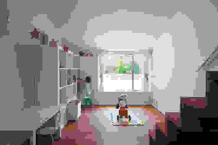 . モダンデザインの 子供部屋 の 株式会社 直井建築設計事務所 モダン