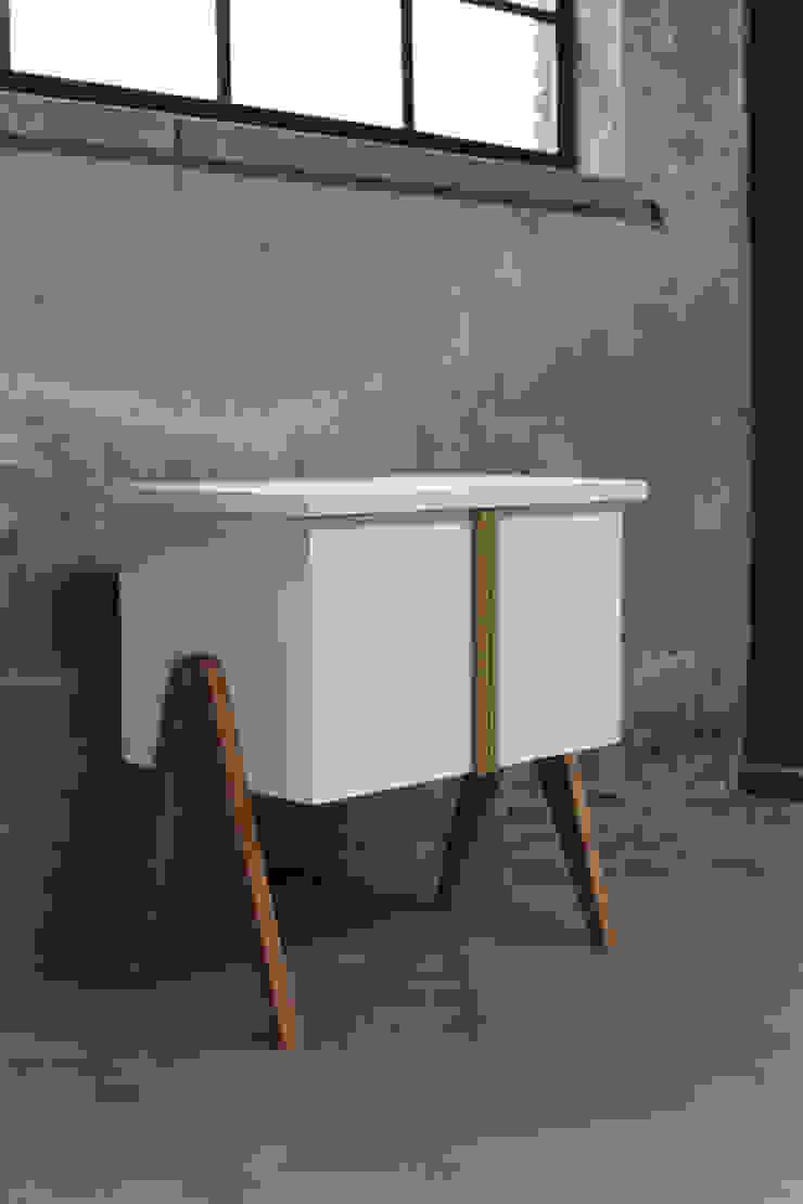 My Granny Desk III van Studio Jolanda van Goor Scandinavisch