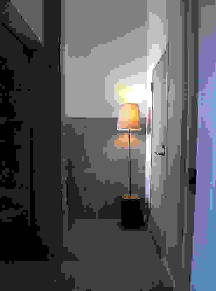 HKH 北欧スタイルの 玄関&廊下&階段 の atelier FISH | アトリエ・フィッシュ 北欧
