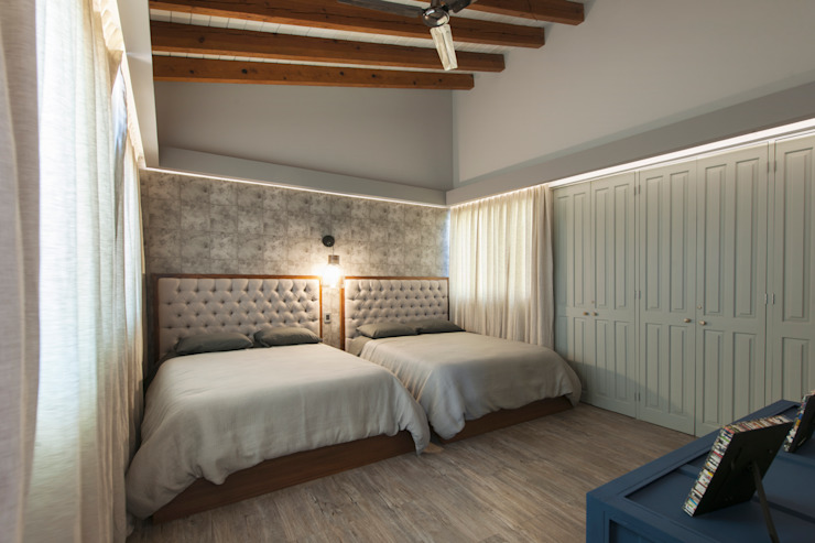 Eclectic style bedroom by kababie arquitectos Eclectic