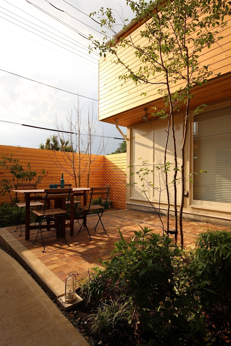 Modern style gardens by 新井アトリエ一級建築士事務所 Modern
