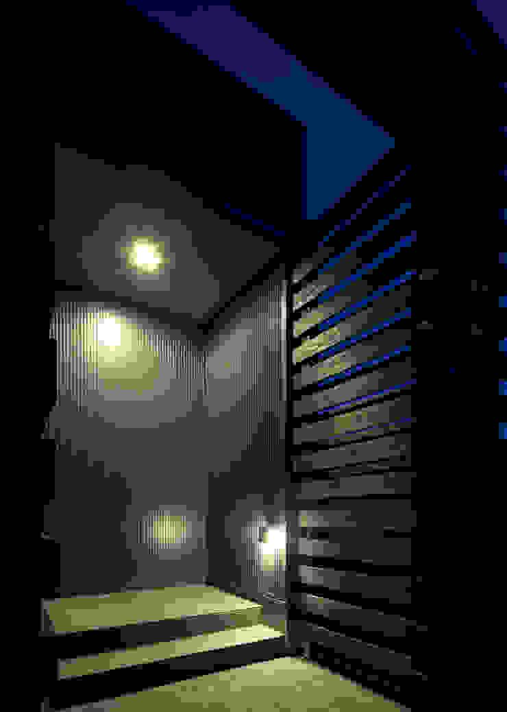 エントランス モダンな 家 の 那波建築設計 NABA architects モダン