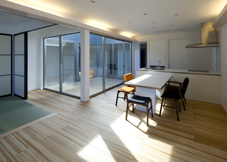 Modern Dining Room by 那波建築設計 NABA architects Modern