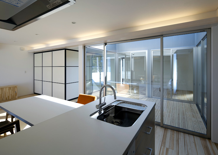 Modern Kitchen by 那波建築設計 NABA architects Modern